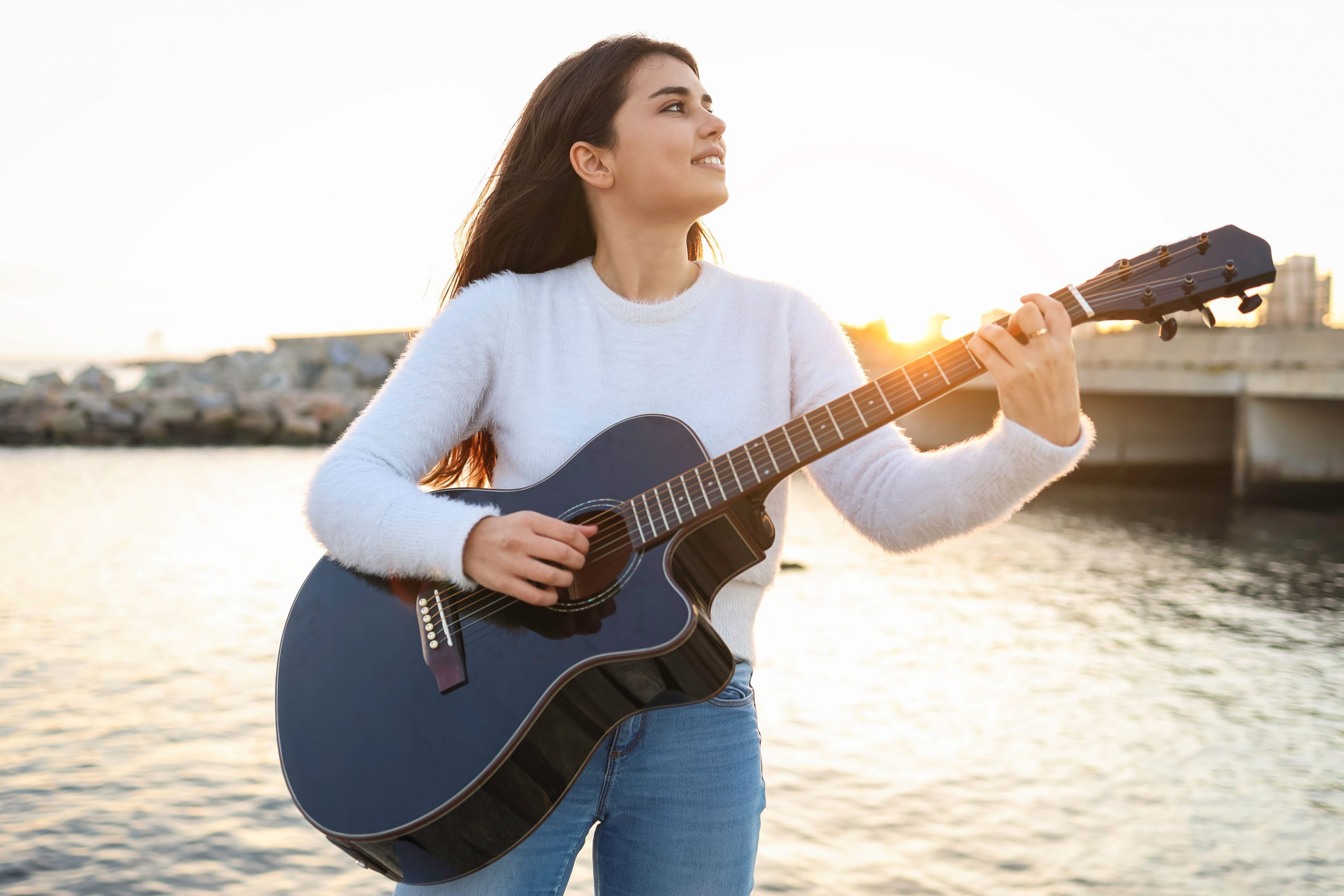 Jugendliche fortgeschrittene Gitarristin will zum Spaß Gitarre spielen